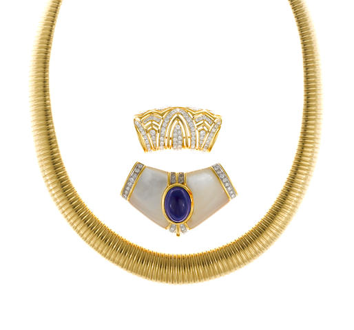 An eighteen karat gold tubogas necklace together with a diamond and eighteen karat gold slide-pendant and a hardstone, diamond and fourteen karat gold brooch/slide