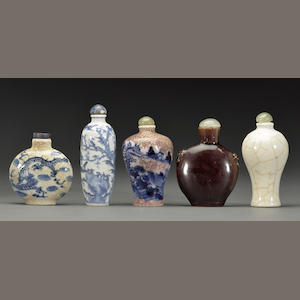 A group of five porcelain snuff bottles Late Qing/Republic period
