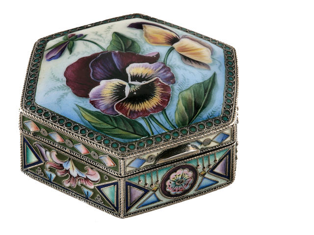 A Russian parcel-gilt, cloisonné and en plein enamel box 20th Artel, St. Petersburg, 1908-1917, with later Soviet marks