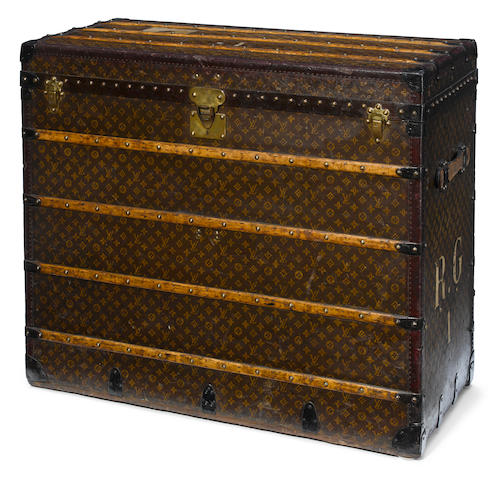 A rare Louis Vuitton printed canvas, enameled metal and wood steamer trunk  Paris, 1924-1927