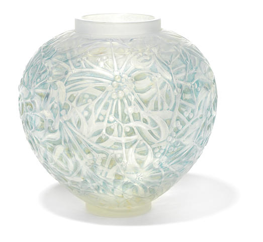 An R. Lalique opalescent glass vase: Gui