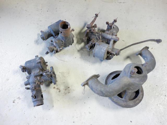 A mixed lot of various carburetors,