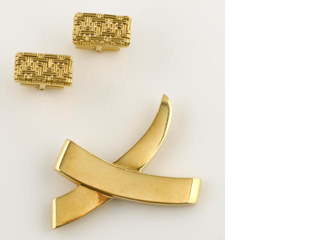 "An 18k gold ""x"" brooch, Paloma Picasso, Tiffany & Co., together with 18k gold mesh cufflinks"
