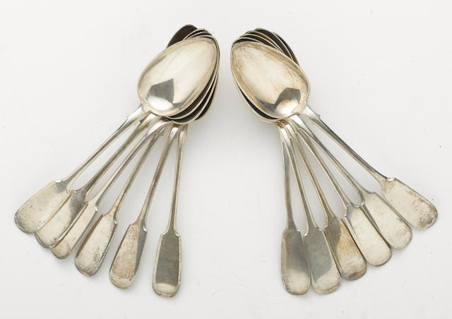 A Russian 84 standard silver assembled set of twelve tablespoons by Pyelagyeya Ivanova, Moscow, 1895 (11) and Nicholai Pavlov, Moscow, 1899-1908 (1)  Fiddle  (12)