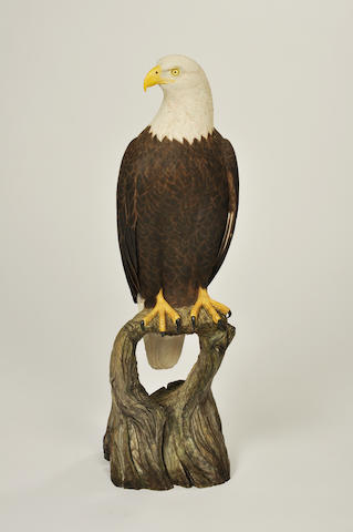 Two carved standing eagles<BR />19th/20th century