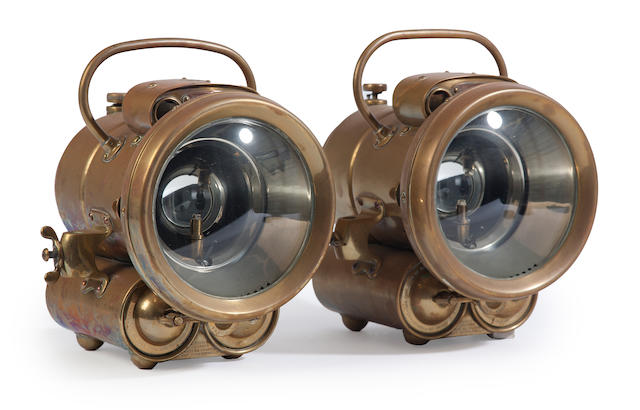 A pair of handheld signal lanterns  early 20th century 2