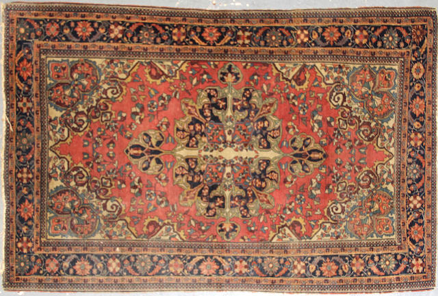 A Fereghan Sarouk rug  size approximately 4ft. 2in. x 6ft. 6in.