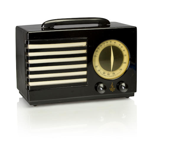 An Emerson 400 Aristocrat, black, black and white<BR />1940