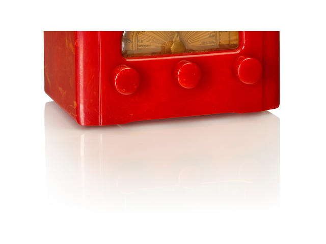 An Emerson AU190 Cathedral, cherry red<BR />1937
