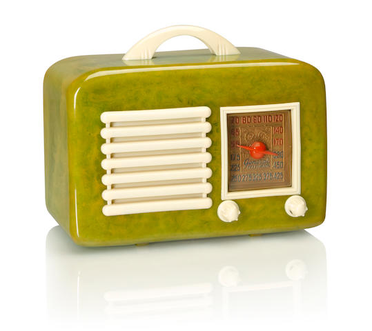 A General Television 591 1940 Green case with white handle, bezel, knobs and grille. height 6in (15.2cm); length 9in (23cm); depth 4 3/4in (12.5cm)