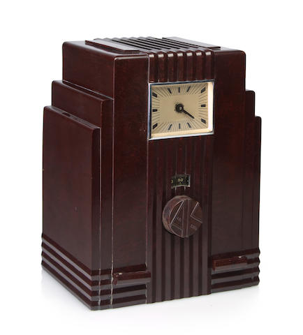 An Air King 52, brown clock<BR />circa 1933