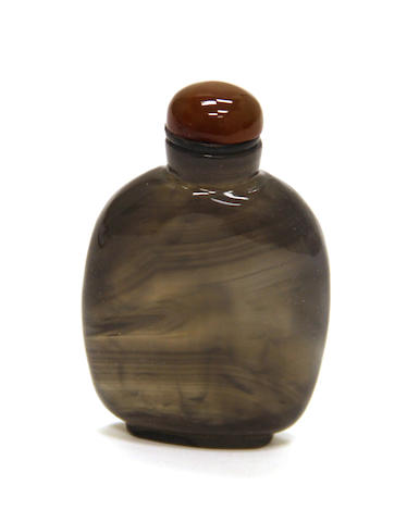 A banded agate snuff bottle