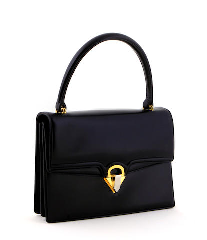 A Gucci black handbag