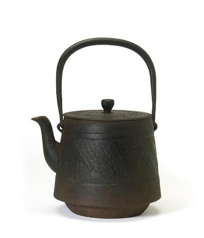 A Japanese iron teapot, tetsubin