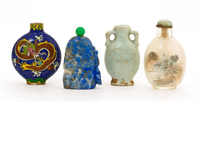 A gropup of four snuff bottles