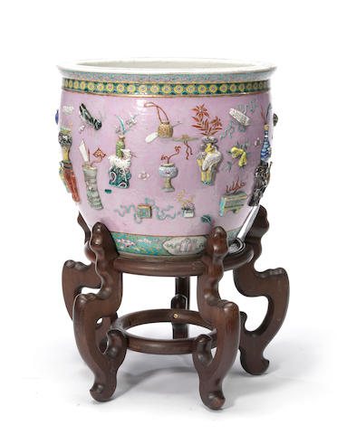 A Chinese famille rose enameled porcelain jardiniere Late Qing dynasty