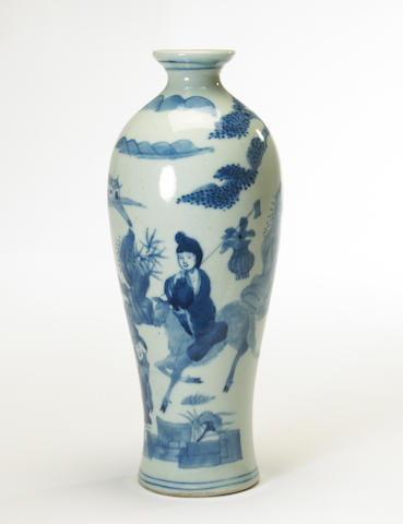 A blue and white porcelain vase Late Qing/Republic period 10 1/2in high