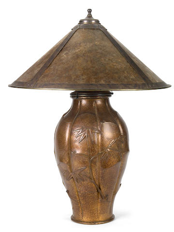 An American Arts & Crafts copper and mica table lamp in the manner of Lillian Palmer