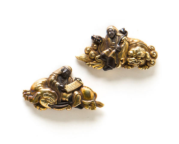 A pair of Yanagawa school gold menuki Edo period (18th century)