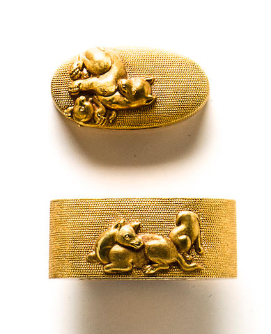 A pair of Otsuki school solid-gold fuchi-gashira By Otsuki Ryoyo, Edo period (19th century)