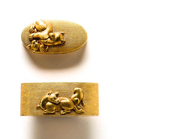 A pair of Otsuki school solid-gold fuchi-gashira By Otsuki Ryoyo, Edo period (19th century)