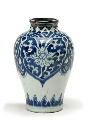 A Chinese blue and white porcelain ovoid case with metal rim transitional period