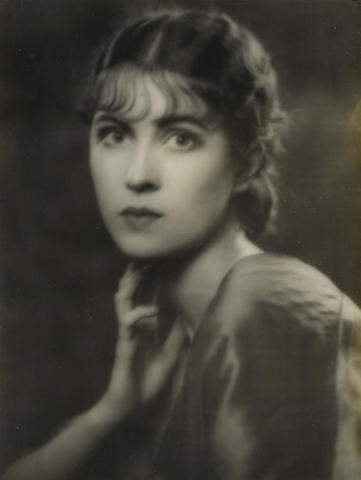 An Arnold Genthe photograph of Erin O'Brien-Moore