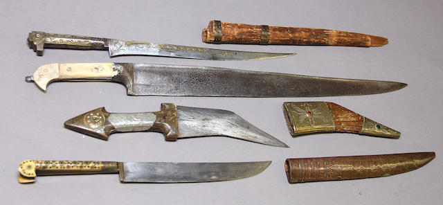 A lot of four eastern knives