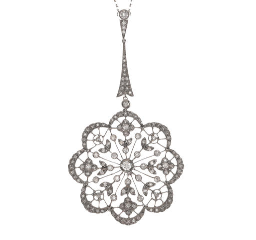 A diamond filigree pendant/necklace
