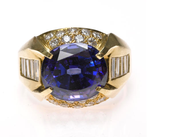 A tanzanite and diamond ring in 18k gold