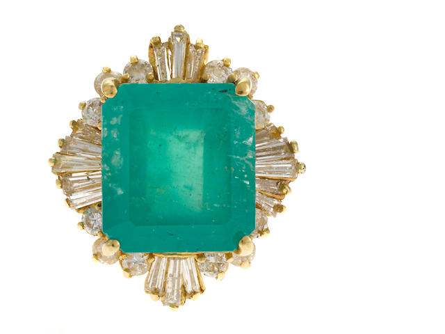 Emerald and diamond 18K gold ring