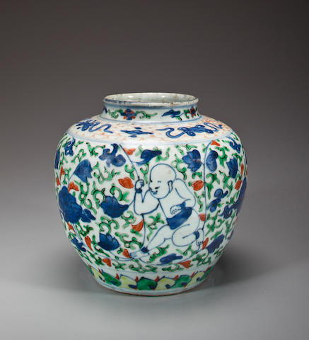 A wucai-decorated porcelain jar Late Ming dynasty