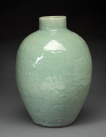 A Longquan celadon glazed vase Ming dynasty