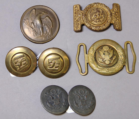 A lot of U.S. military buckles and accoutrement plates