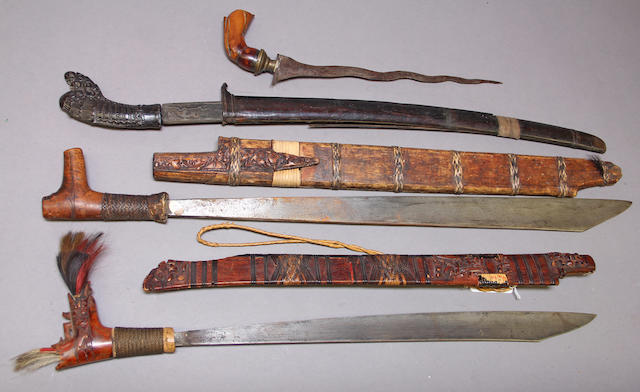 A lot of four Indonesian edged weapons