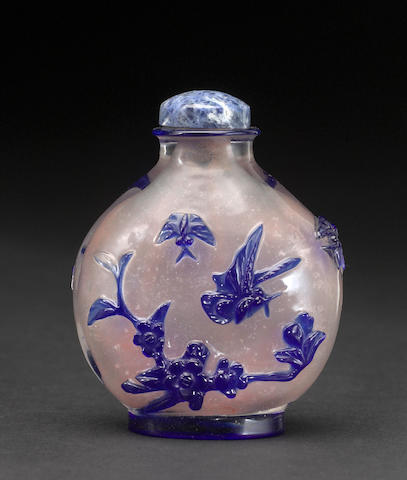 A frosted glass snuff bottle with blue overlay 1750-1820