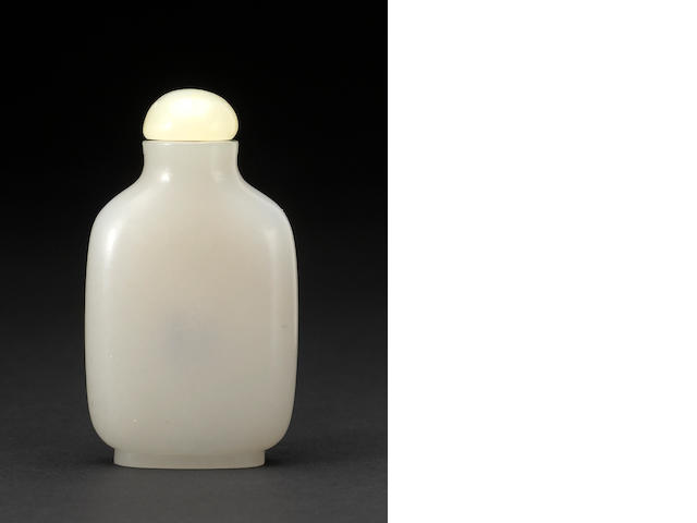 A fine white jade snuff bottle 1750-1820
