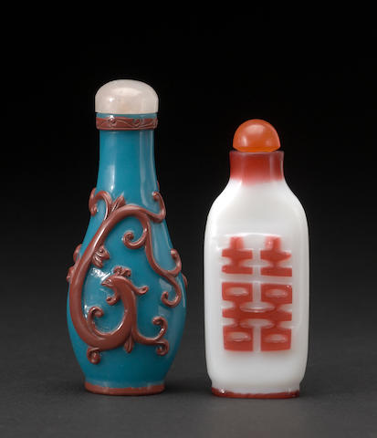 Two overlay decorated glass snuff bottles 1780-1880