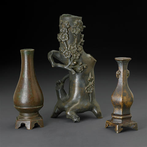 Three Chinese cast bronze vases, 17th/18th century