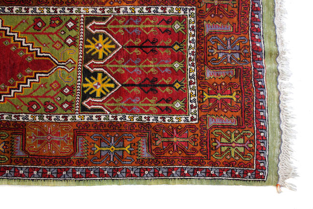 A Heriz carpet size approximately 9ft. x 11ft. 8in.