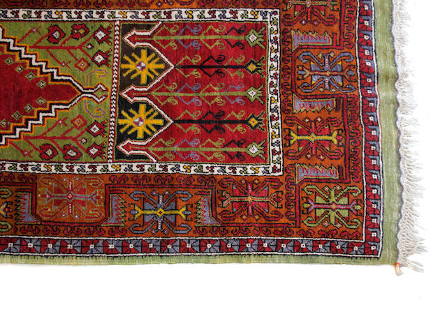 A Heriz carpet size approximately 9ft. x 11ft. 8in.
