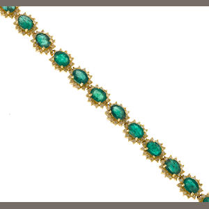 Emerald bracelet set in 14K gold