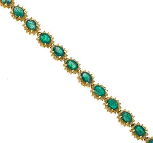 Emerald bracelet set in 14K gold