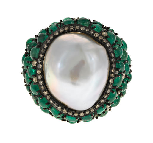 A freshwater cultured pearl, emerald and diamond ring