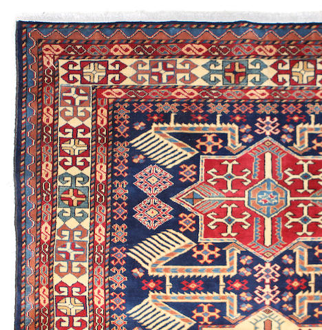 A Mahal carpet size approximately 7ft. 2in. x 11ft. 8in.