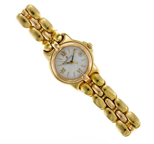 An eighteen karat gold bracelet wristwatch with date, Bertolucci