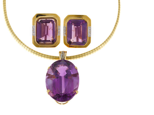 Amethyst and gold pendant necklace and earrings