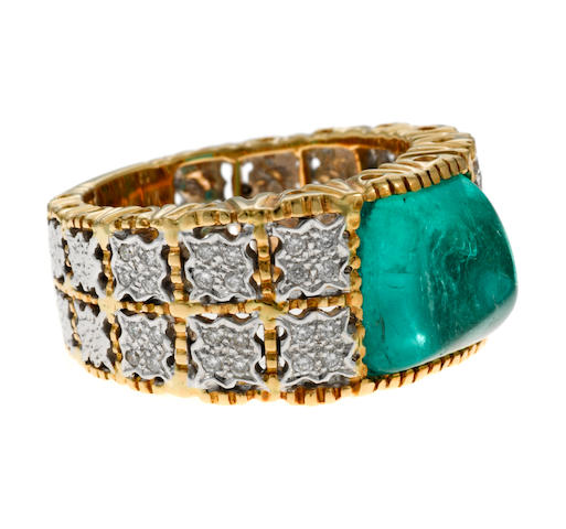 A sugar loaf emerald, diamond and 18k gold ring