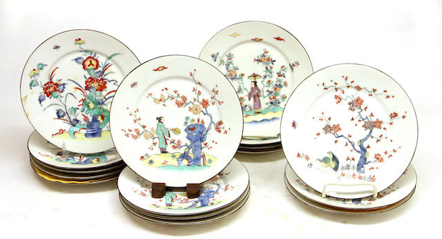 Sixteen French Kakiemon style porcelain dessert plates first quarter 20th century