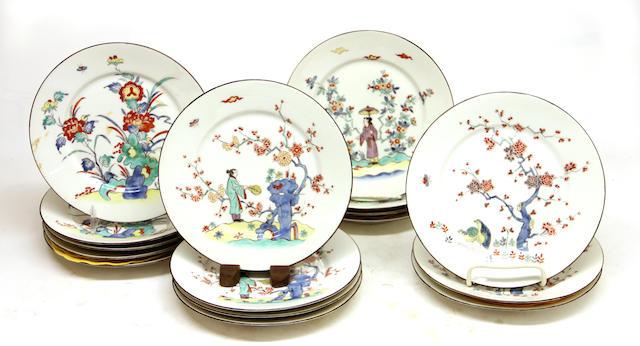 Sixteen French Kakiemon style porcelain dessert plates first quarter 20th century